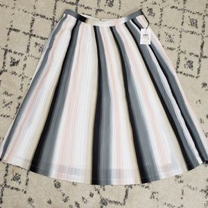 New Calvin Klein Pleated Skirt